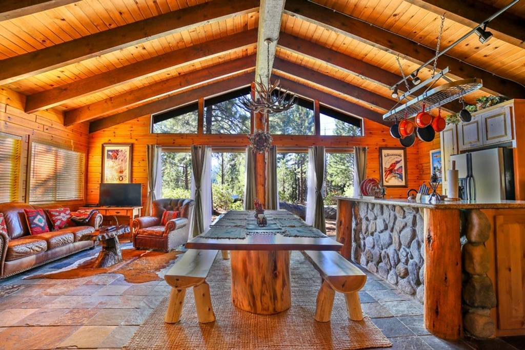 Getaways in Tahoe for a Cozy Cabin Rental