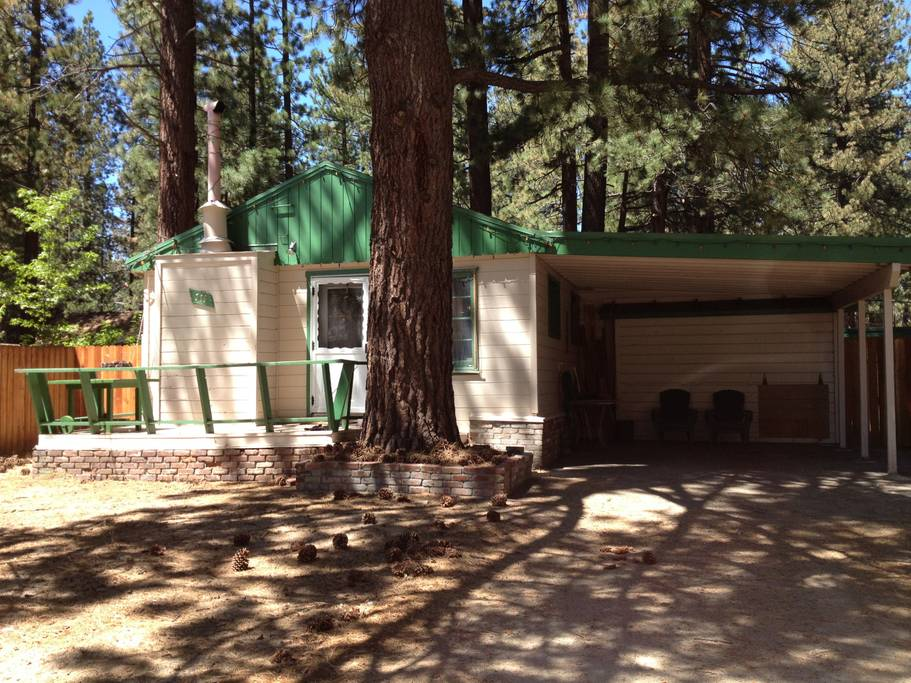 Getaways in Tahoe for a Cozy Cabin Rental 2